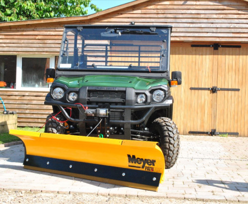 Kawasaki-DX-utility-vehicle-with-pathro-snow-plough9113e2dbacd2e4d634aafb7e07d69ea8.jpg