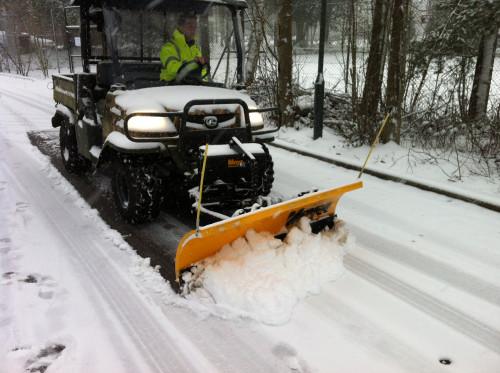 Kubota RTV snow plough 085