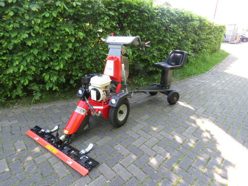 K-1500-with-Sulky-seat-and-reciprocating-mower-46.jpg