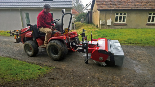 KM-45-M-PTO-on-McCormick-reversible-tractor-14.jpg