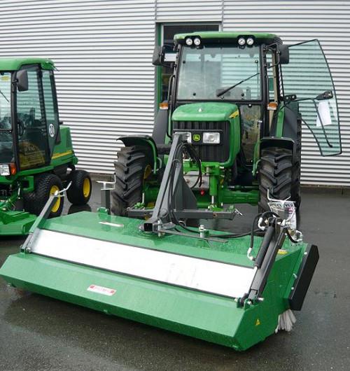 KM52-sweeper-front-mounted-John-Deere.jpg