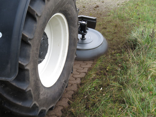 UB-Easy-on-front-loader-New-Holland-Tractor-74.jpg