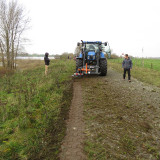 UB-Easy-on-front-loader-New-Holland-Tractor-79