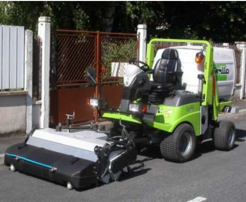 Grillo-FD-1500-with-Sweeper.jpg