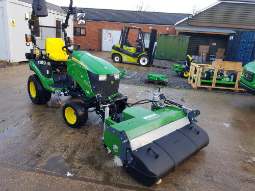 KM-13045-H-sweeper-on-John-Deere-1026-compact-tractor-5.jpg