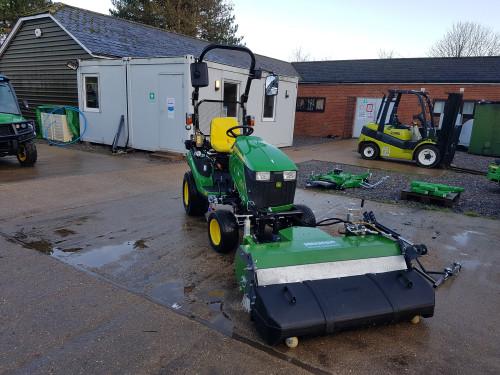KM-13045-H-sweeper-on-John-Deere-1026-compact-tractor-6.jpg