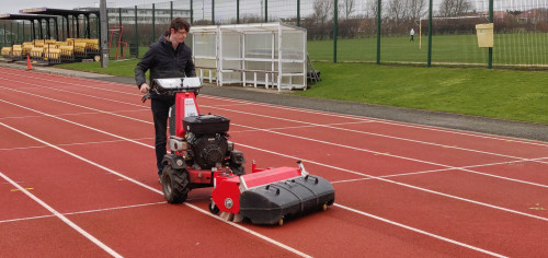 Cleaning-running-track-with-Kersten-sweeper-7.jpg