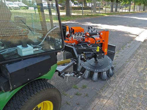 UB-6080-MK-Weedbrush-for-John-Deere-F-1580.jpg