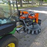 UB-6080-MK-Weedbrush-for-John-Deere-F-1580